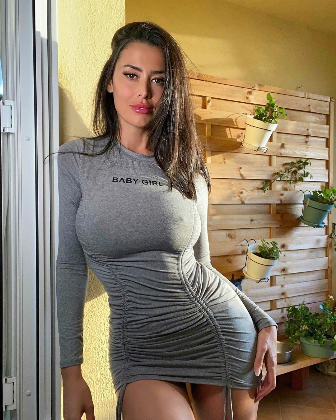 Eva Padlock 31