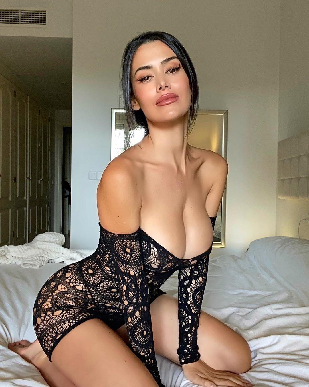 Eva Padlock Hot