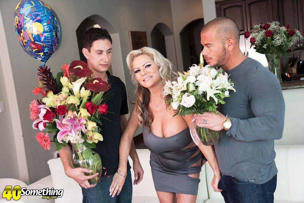 Samantha Jay and her Boyfriends