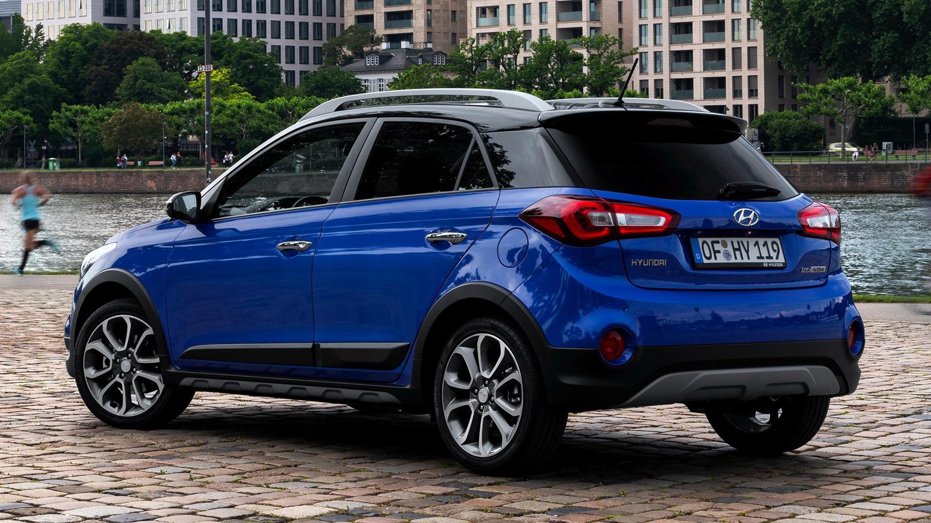 Hyundai i20 images