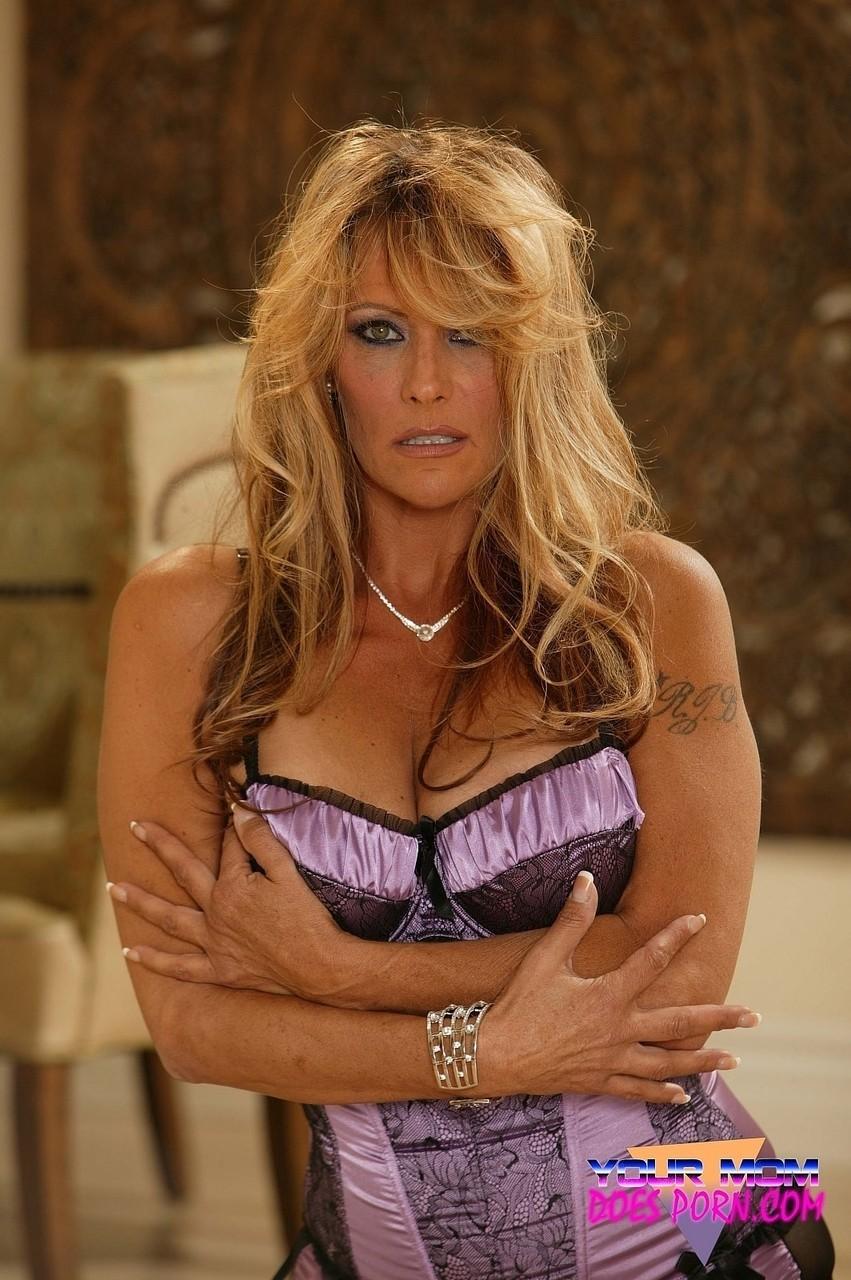 Debi Diamond 25