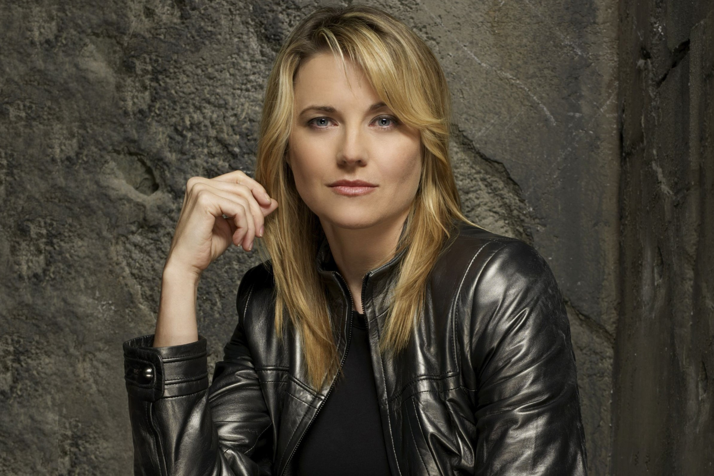 Lucy Lawless Background images