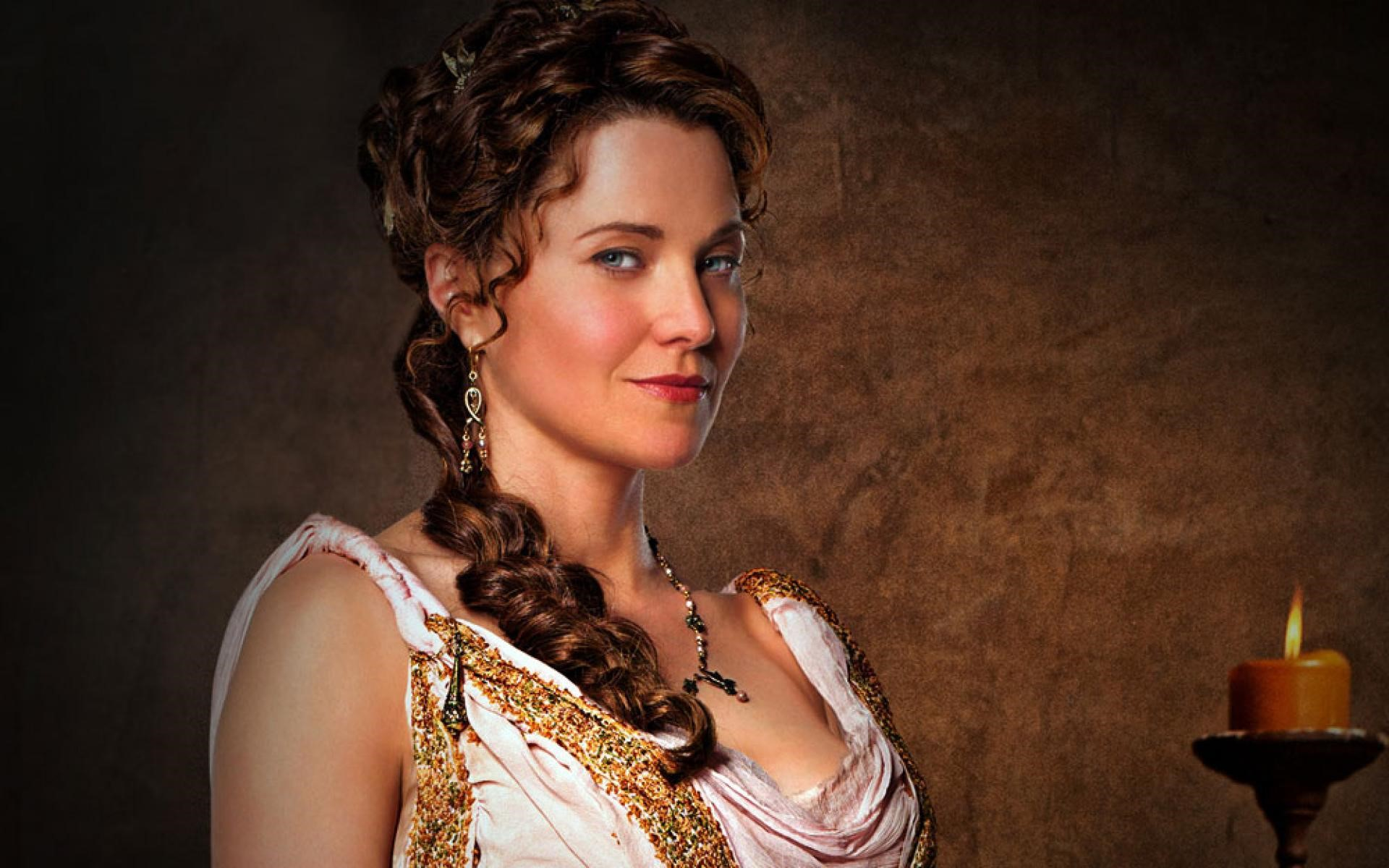 Lucy Lawless Laptop Wallpapers