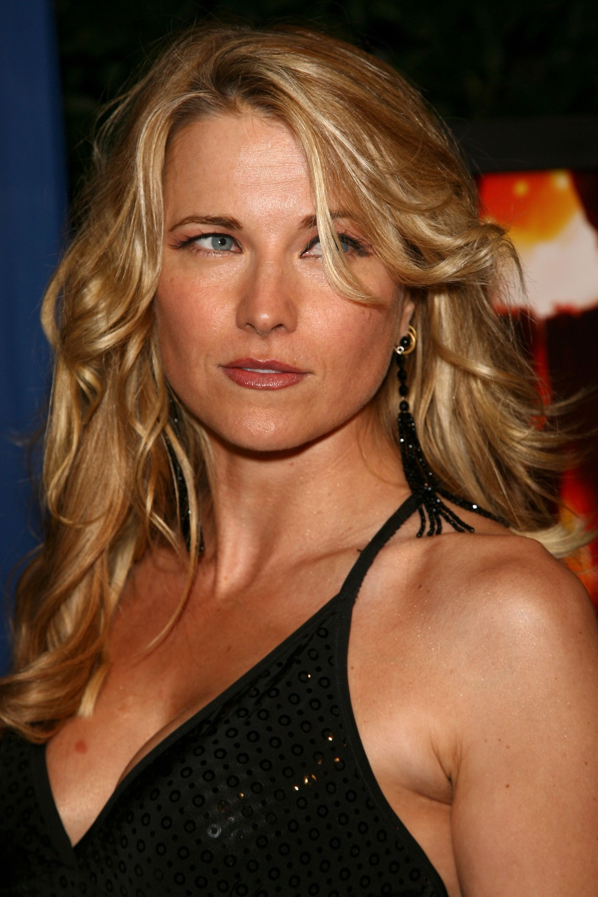 Lucy Lawless   WallPics