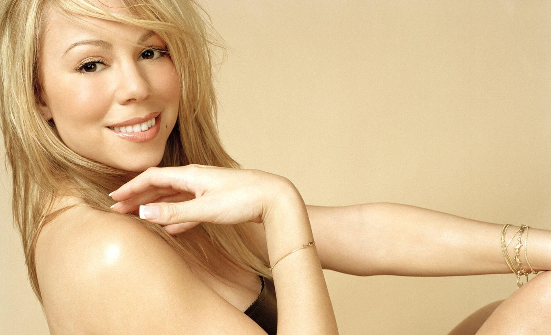 Mariah Carey Background