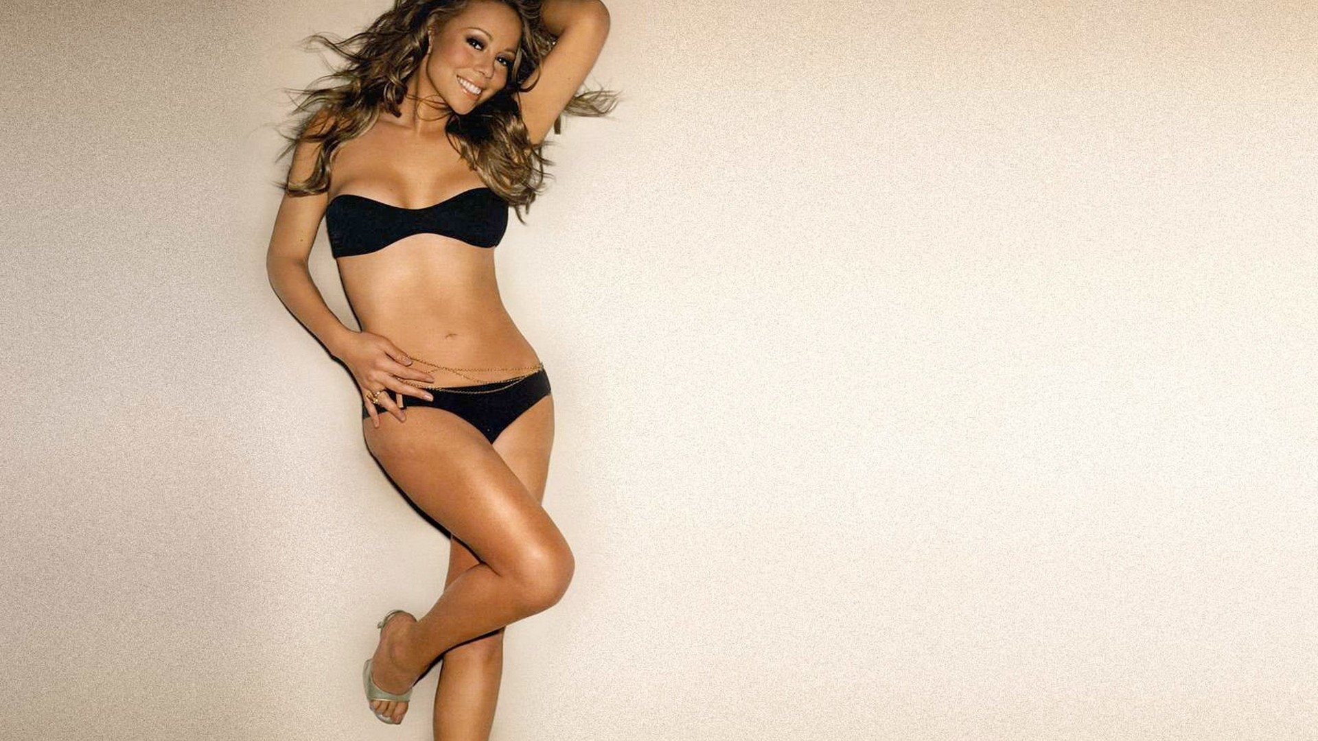 Mariah Carey Lingerie Wallpapers