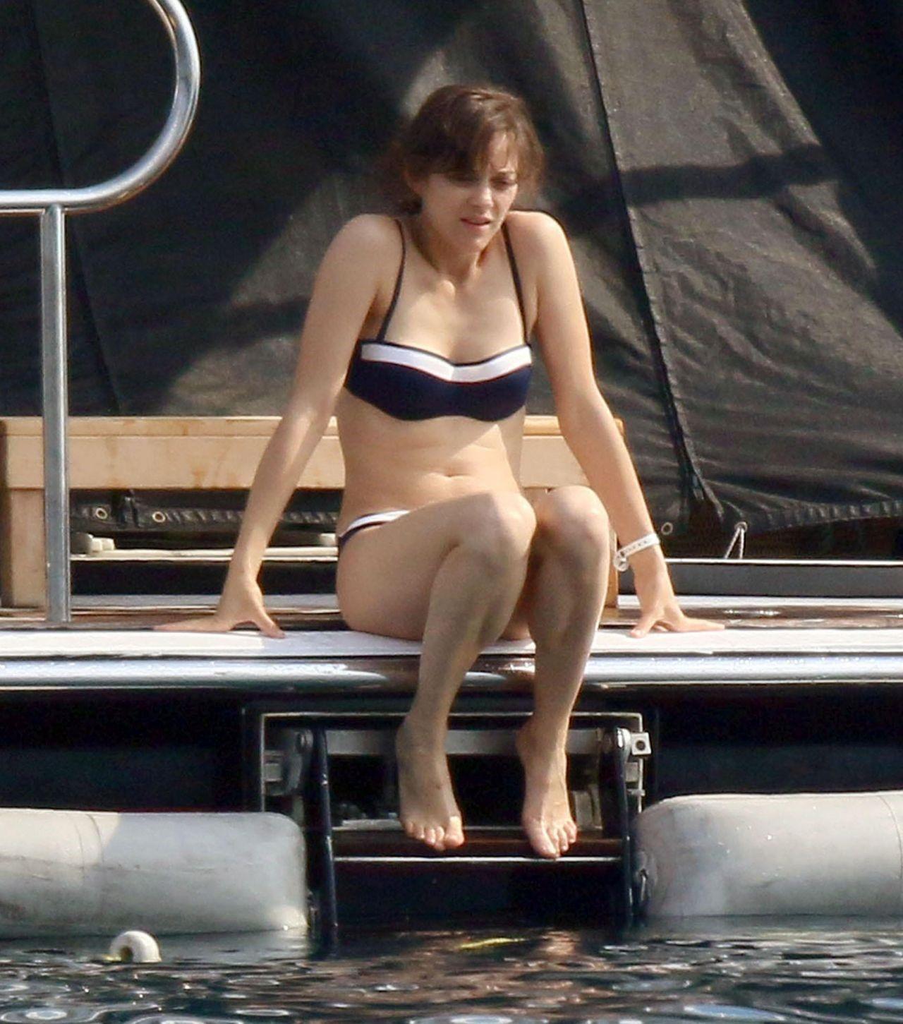 Marion Cotillard Bikini