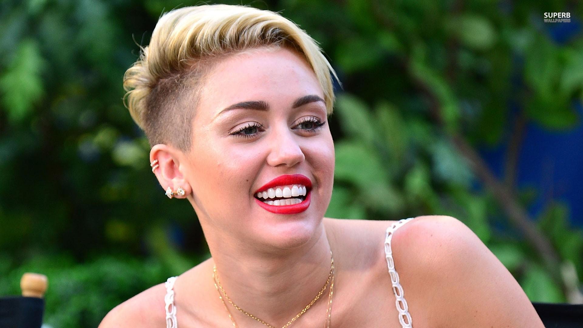 Miley Cyrus High Definition