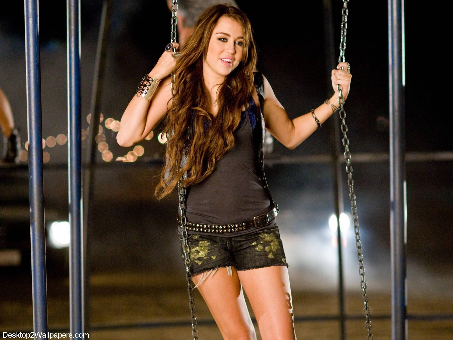 Miley Cyrus Laptop Wallpapers