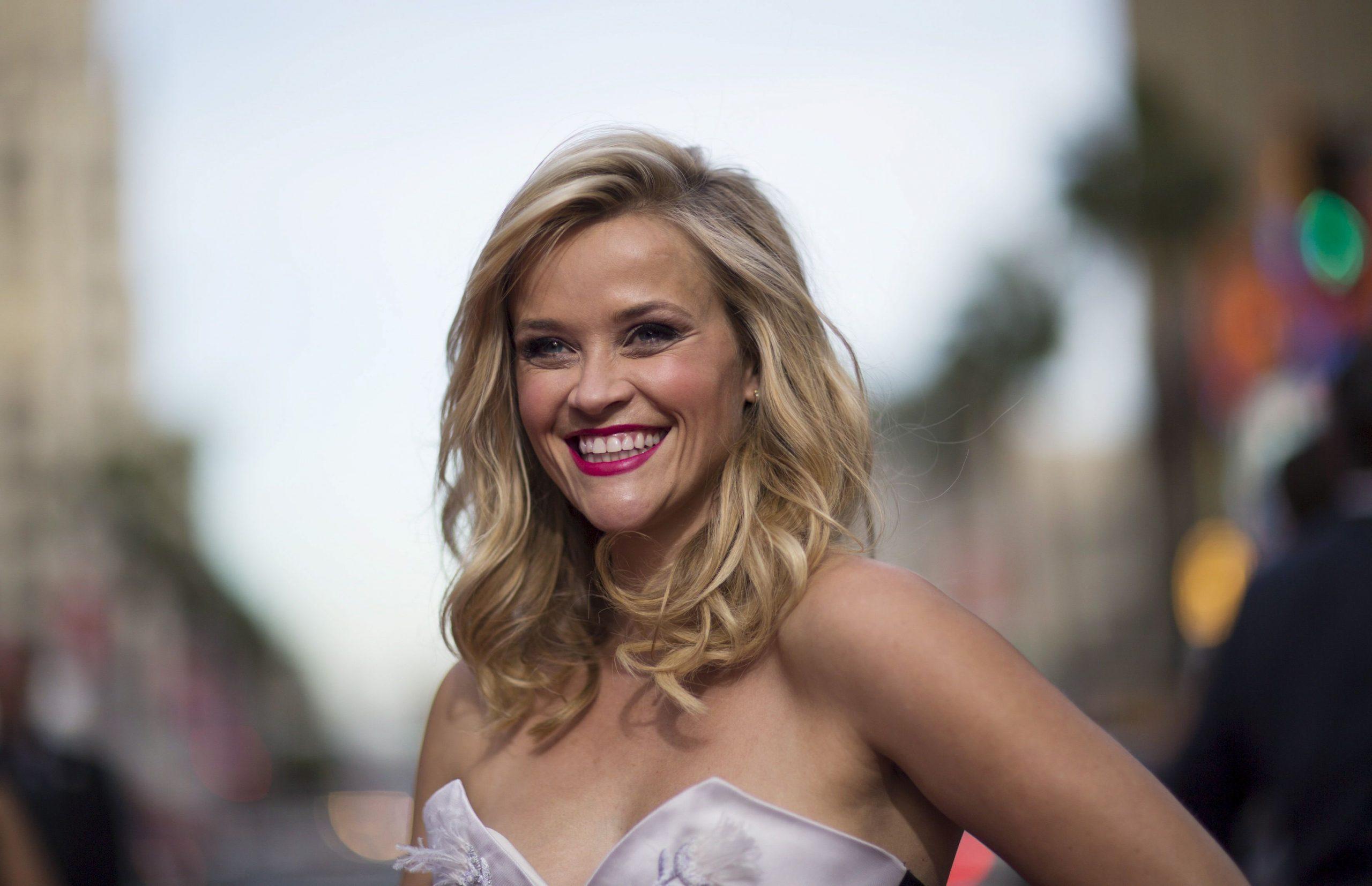 Reese Witherspoon Desktop