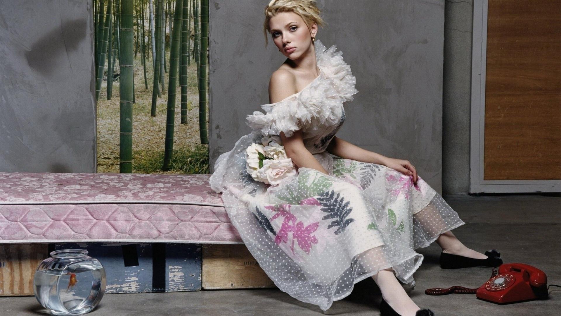 Scarlett Johansson Desktop Wallpapers