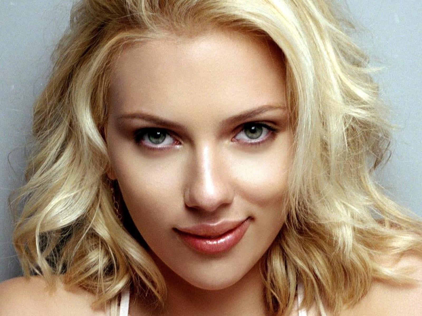 Scarlett Johansson High Definition