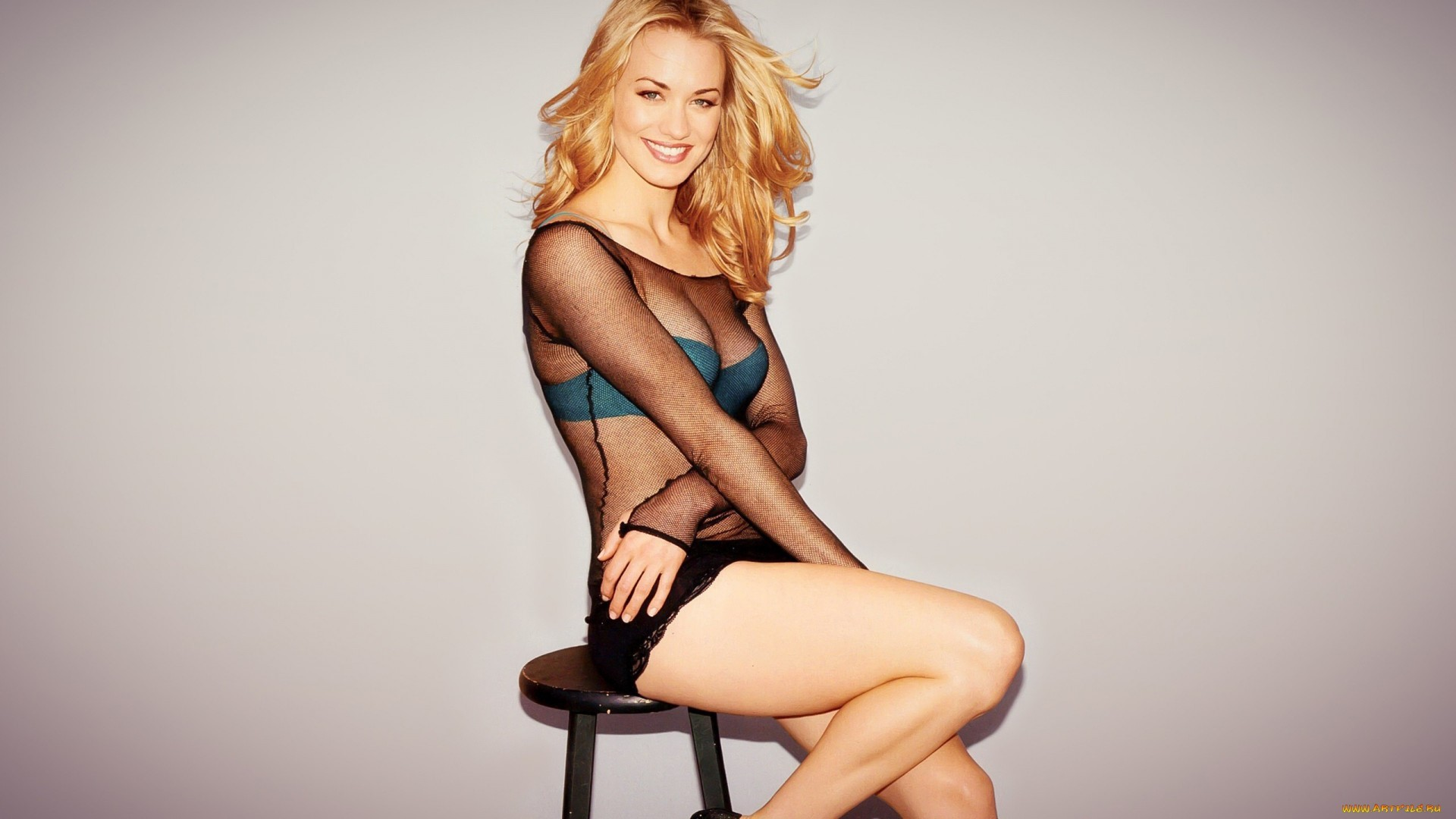 Yvonne Strahovski Wallpapers for Laptop