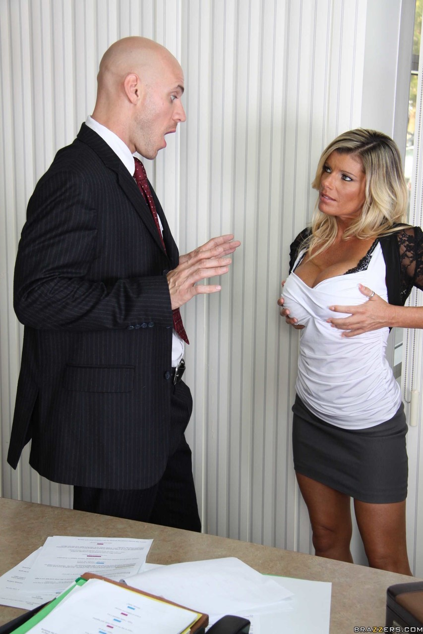 Kristal Summers and Johnny Sins