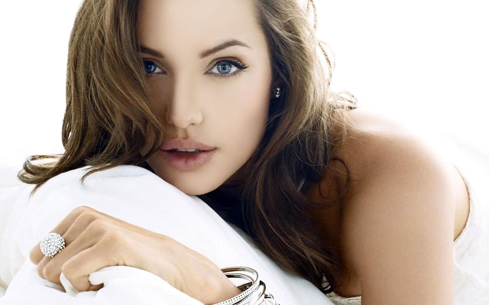 Angelina Jolie Desktop images