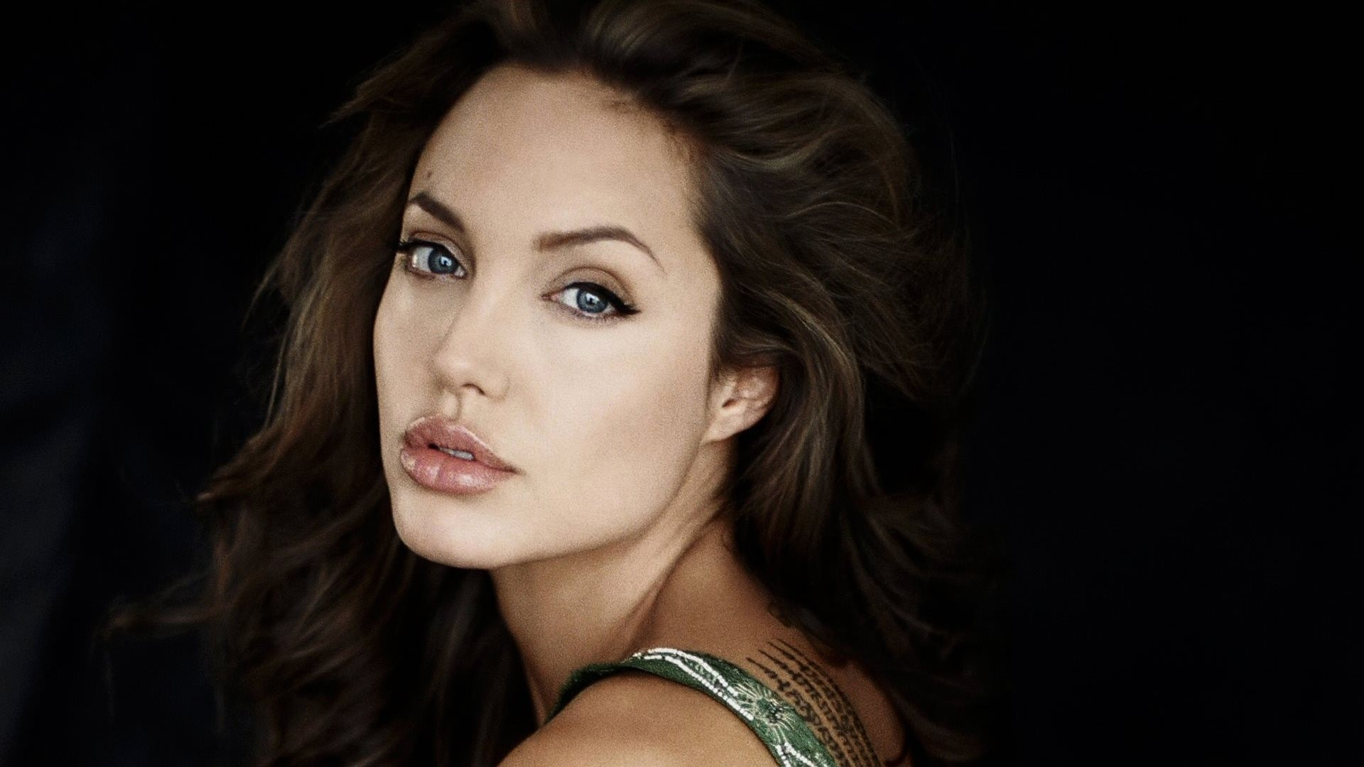 Angelina Jolie HQ