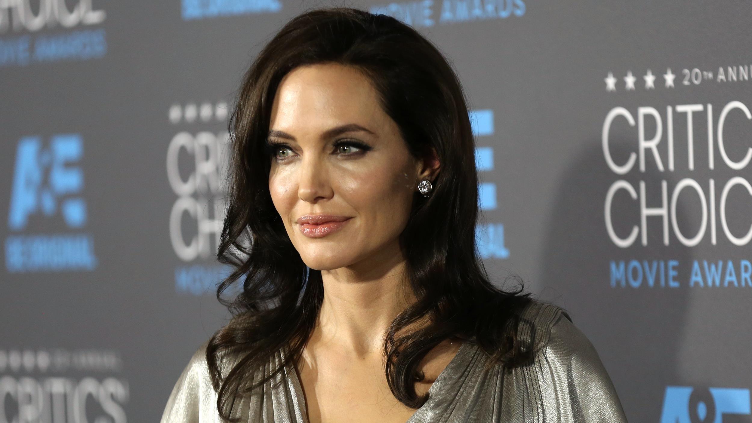 Angelina Jolie Wallpapers 3