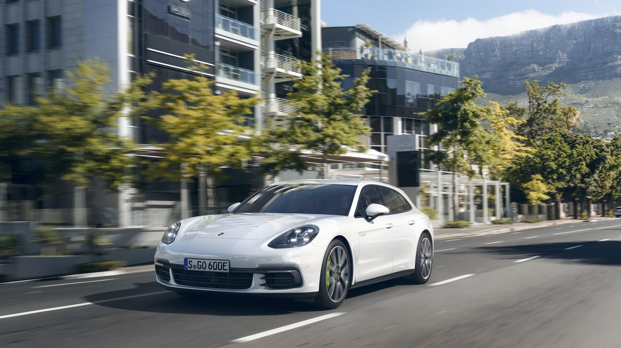 Porsche Panamera Sport Turismo Pics