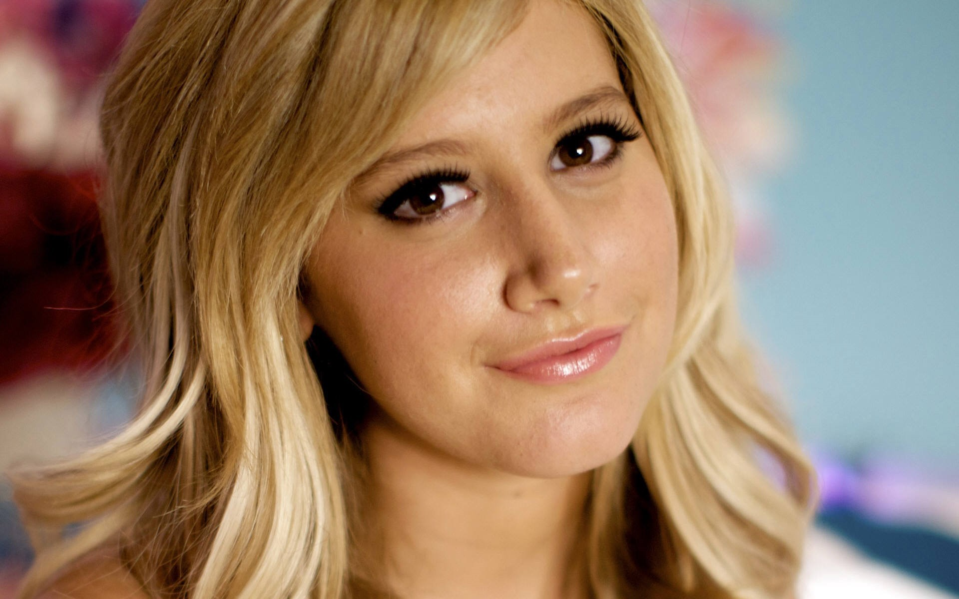 Ashley Tisdale Wallpapers 2