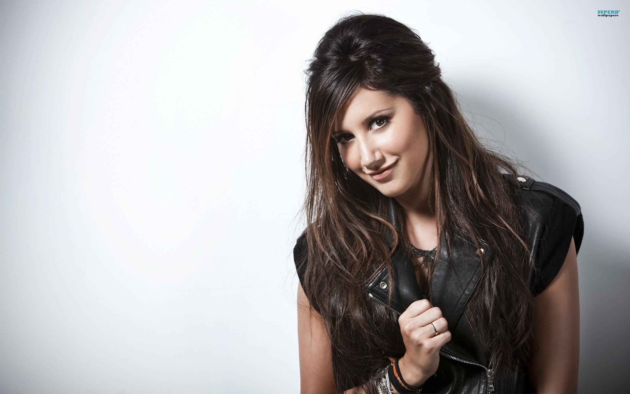 Ashley Tisdale Wallpapers 5