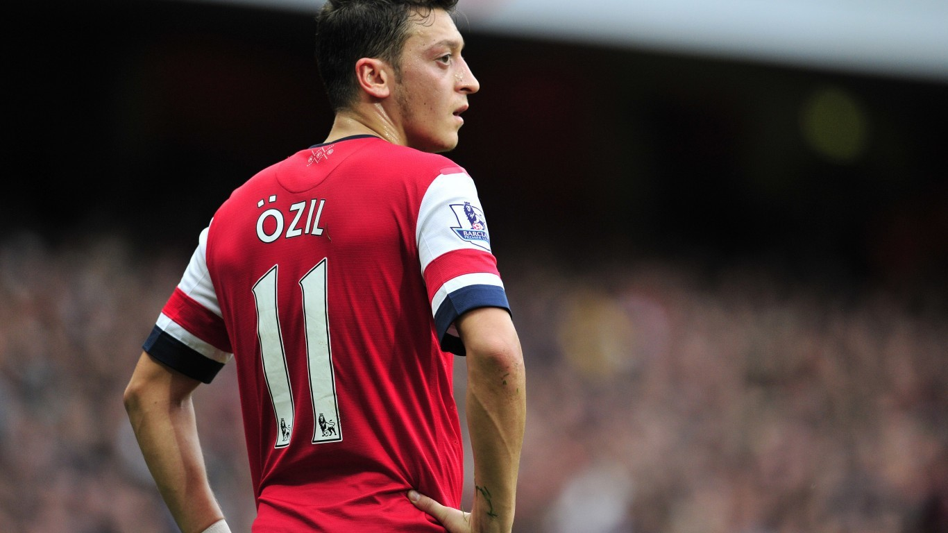 Pictures of Mesut Ozil