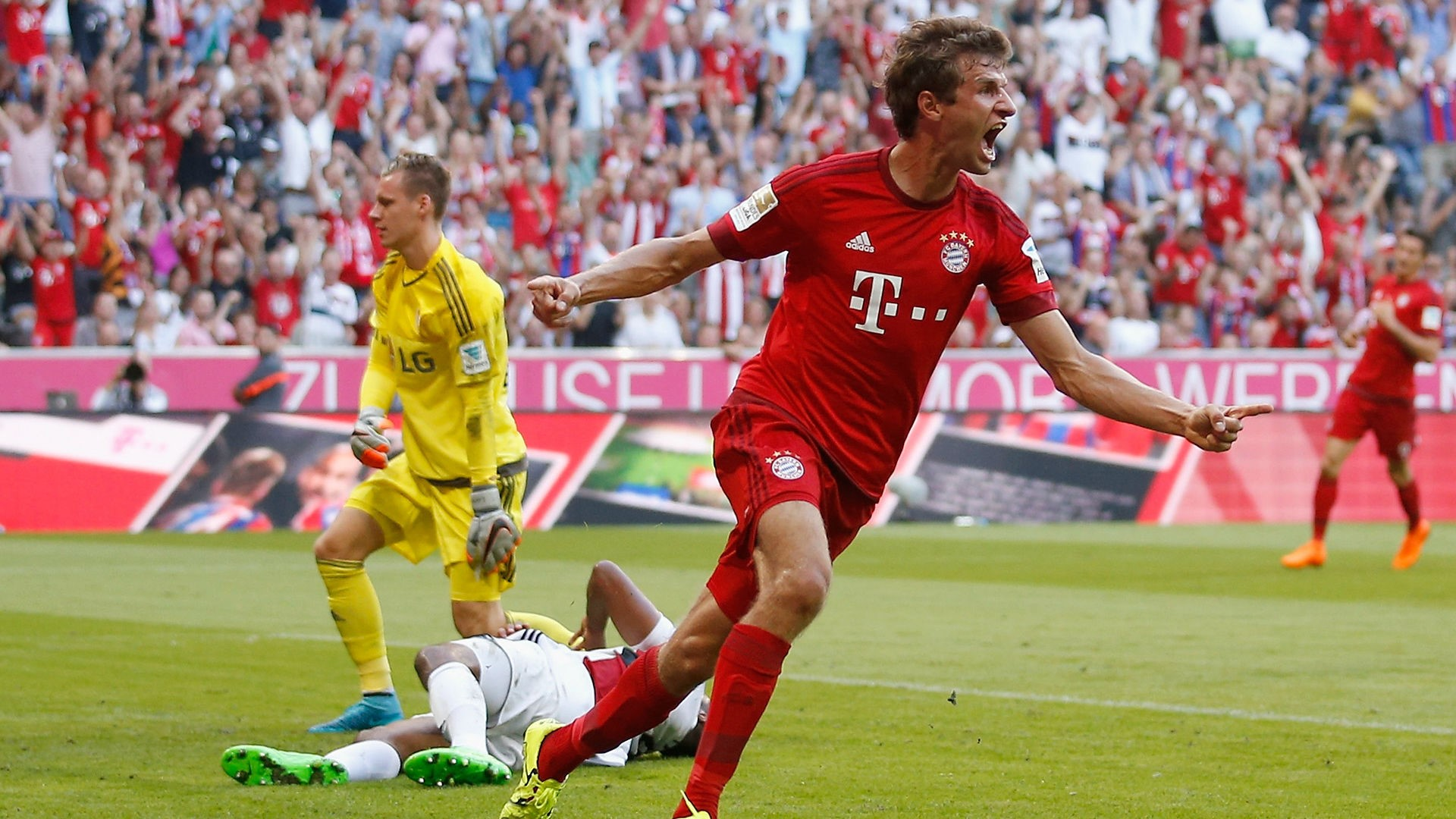 Thomas Muller Background Wallpapers