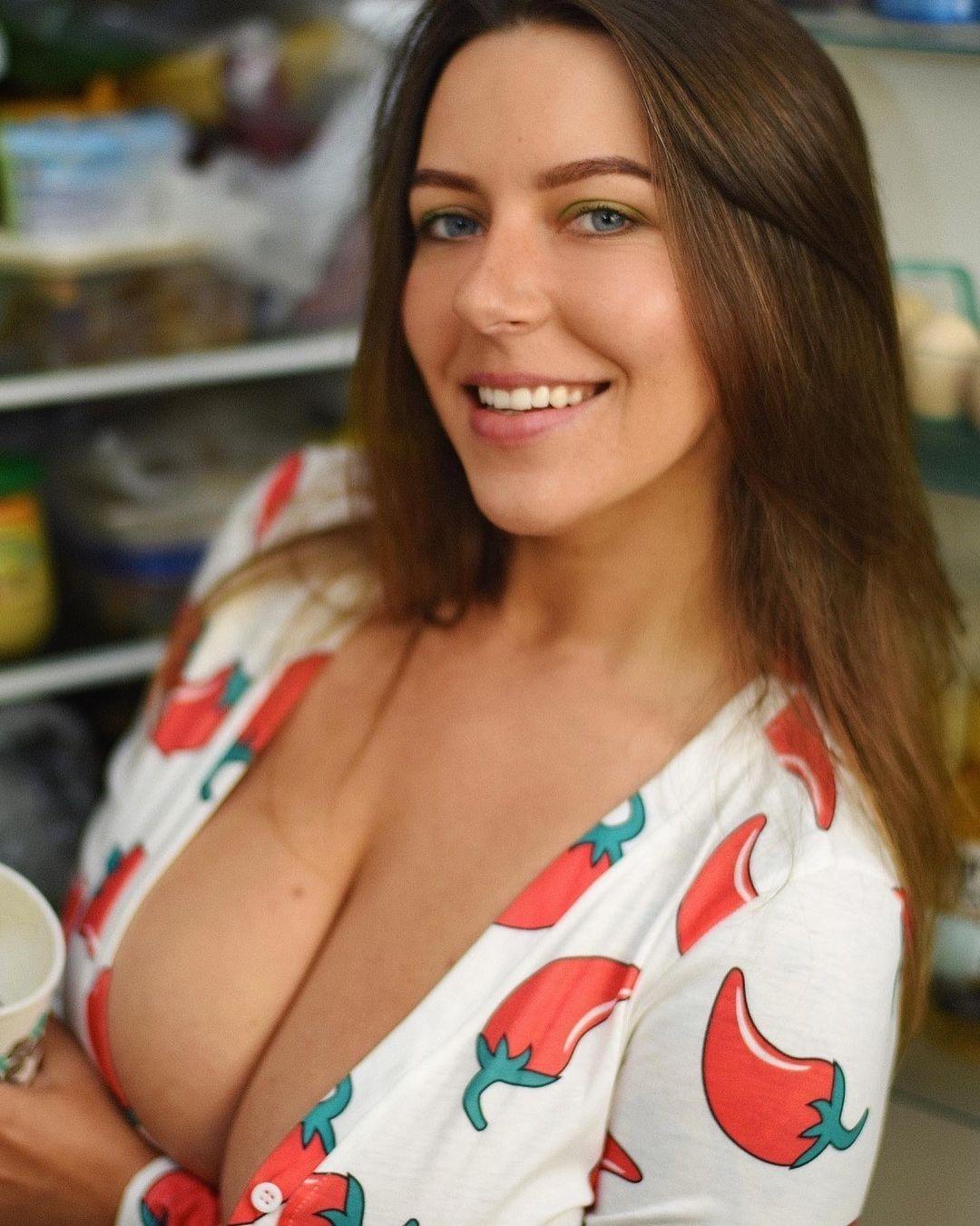 Anna Kochanius 28