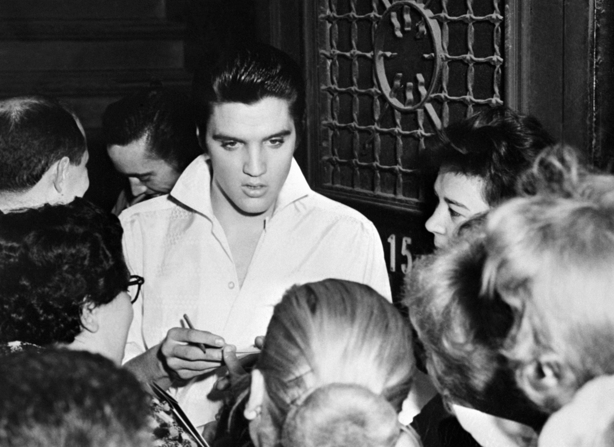 Elvis Presley Desktop