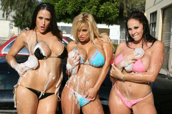Shyla Stylez and Carmella Bing