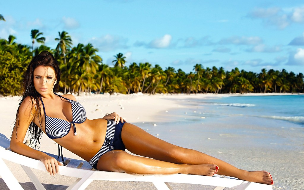 Hot Bikini Beach Girls Wallpapers